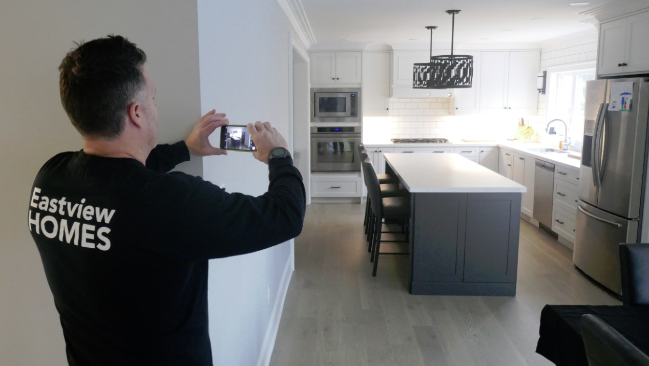 Eastview Homes surveys finished kitchen island