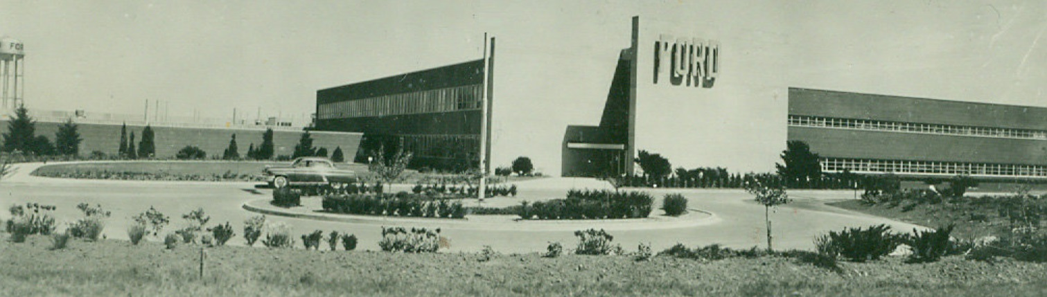 1960 photo Ford car assembly plant in Oakville